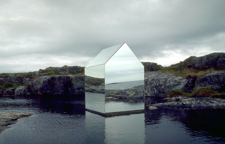 Mirror House Ignant De