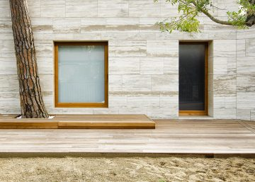 dezeen_House-in-a-Pine-Wood05