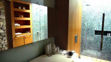 MG-bathroom