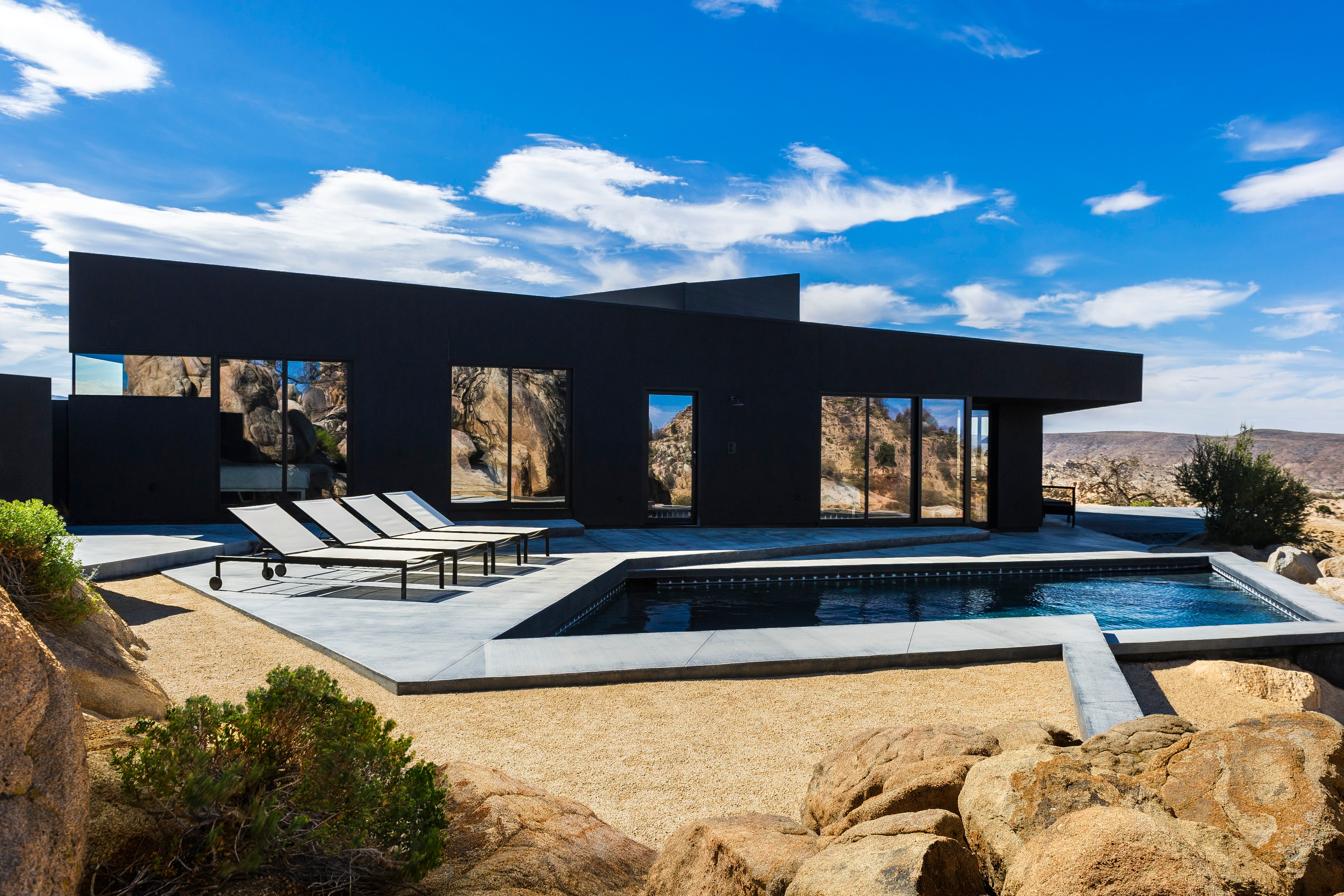 The Black Desert House by Marc Atlan + Oller & Pejic