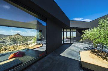 Black Desert House05