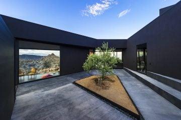 Black Desert House06