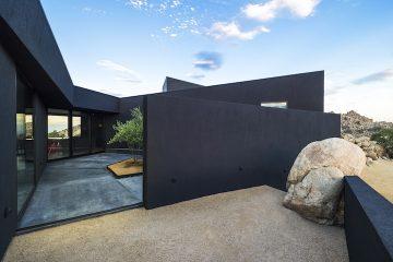 Black Desert House10