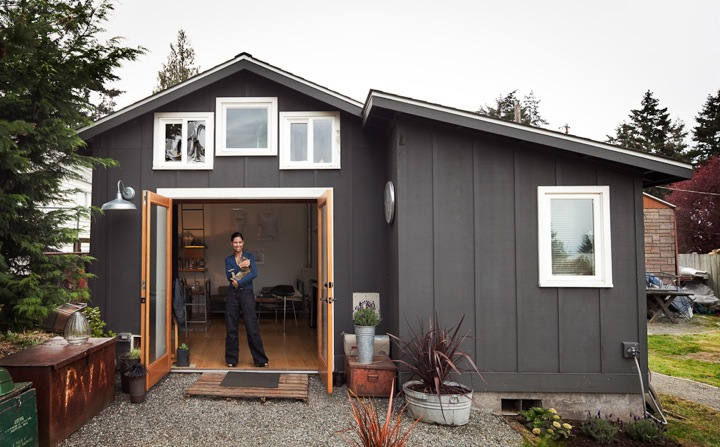 Charmant Visual Artist And Space Designer Michelle De La Vega Transformed An Old  Garage Into A 250 Sq. Ft. Fully Functioning Living Space With A Sleeping  Loft.
