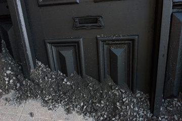 LANDED-IAN_STRANGE-house-installation03