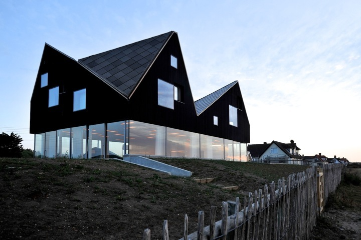 Top 10 Modern Architects top 10 black homes | ignant