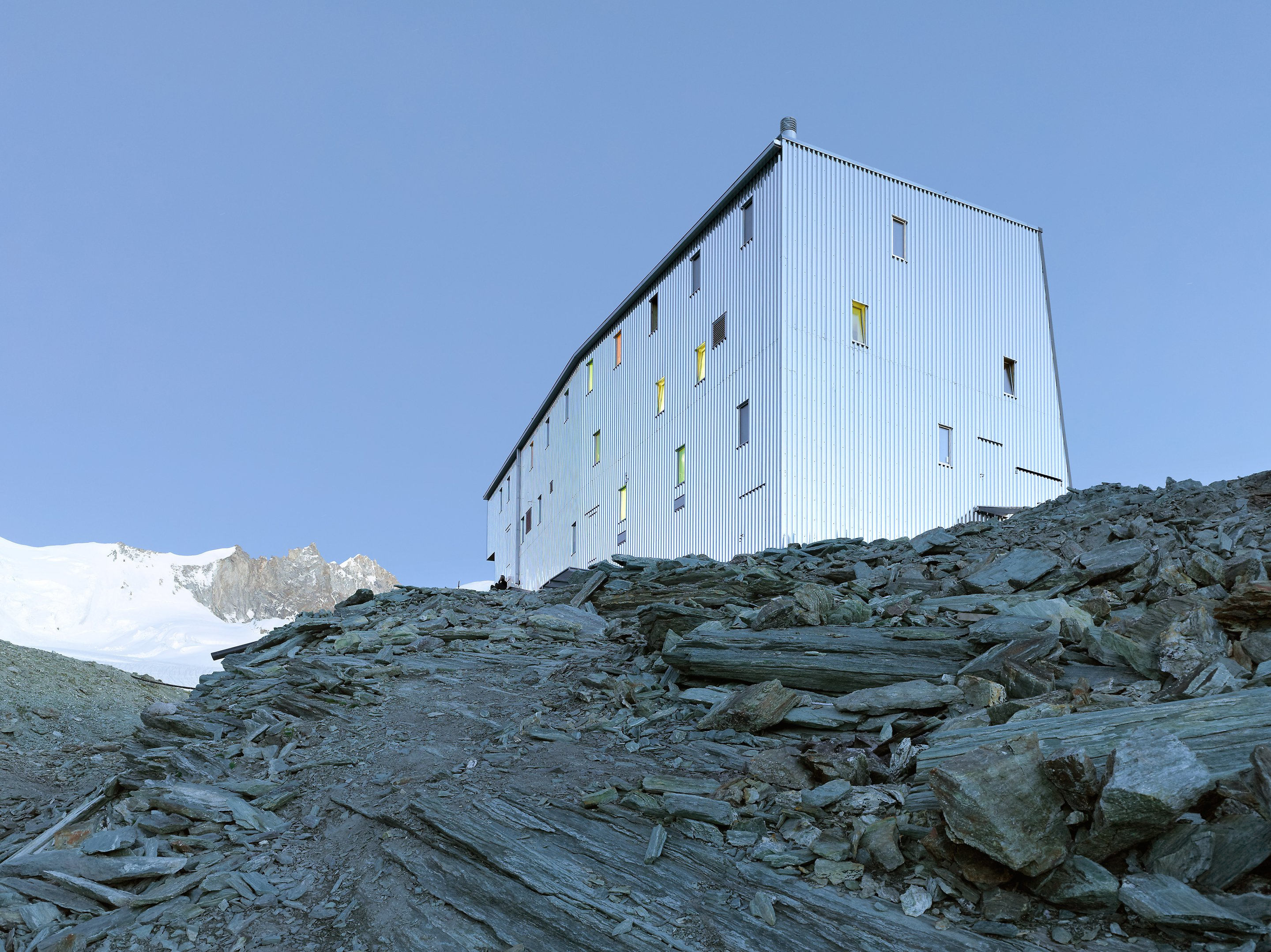 new tracuit mountain hut, zinal02
