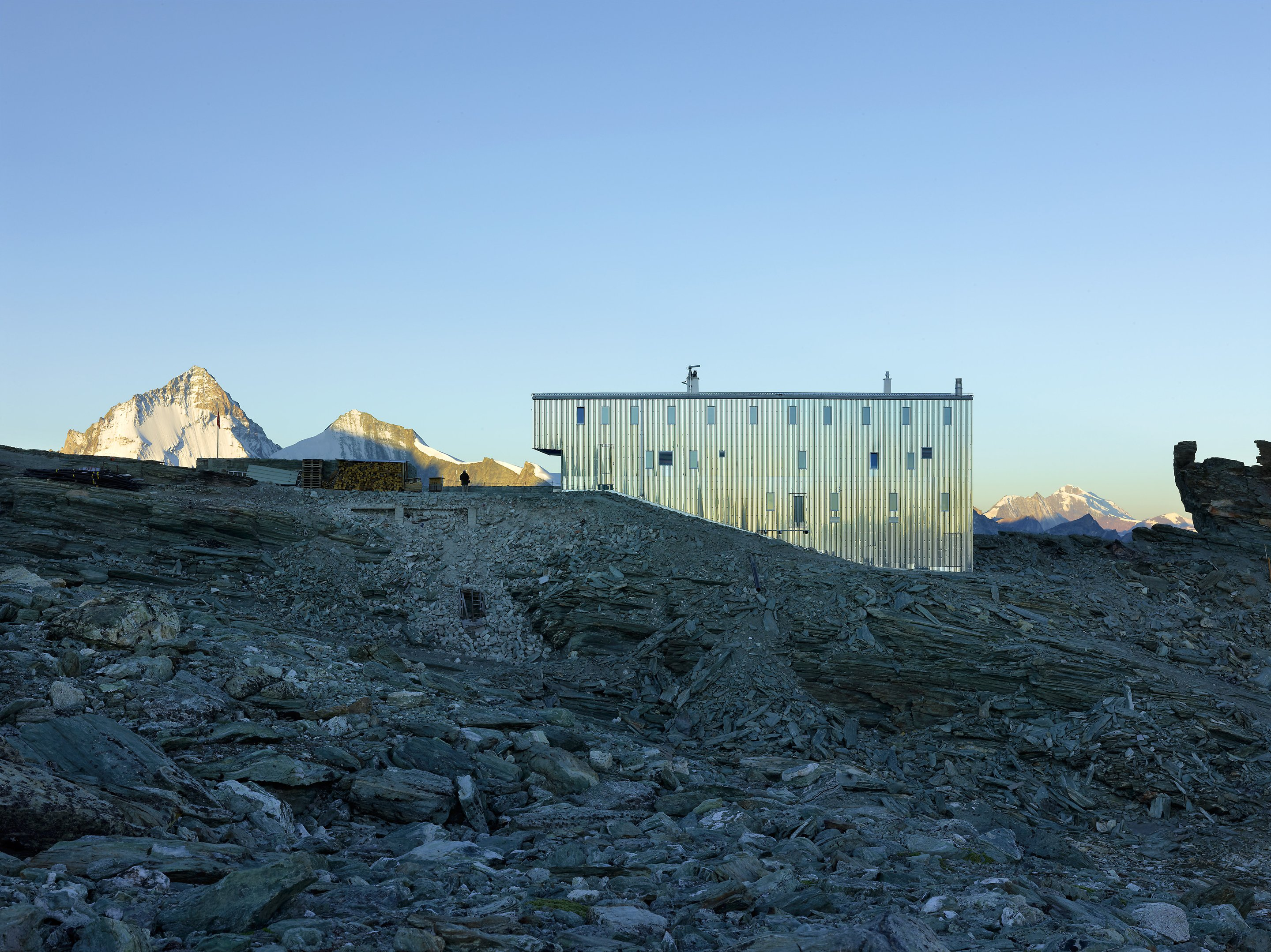 new tracuit mountain hut, zinal04