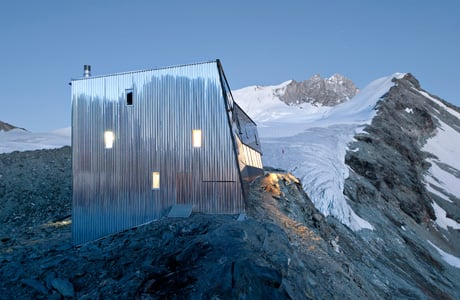 Tracuit Mountain Hut