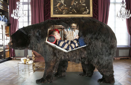 Abraham Poincheval is living inside a bear