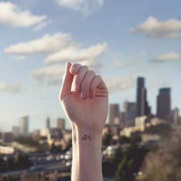 austin-tott-compares-tiny-tattoos-06