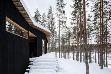 House Kettukallio in Hirvensalmi, Finland designed by Playa Architects.