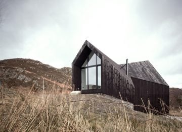 CAMUSDARACH SANDS_House_Raw_01