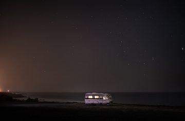 A Van in the Sea_Praia dos Aivados_03