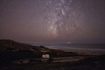 A Van in the Sea_Praia dos Aivados_04