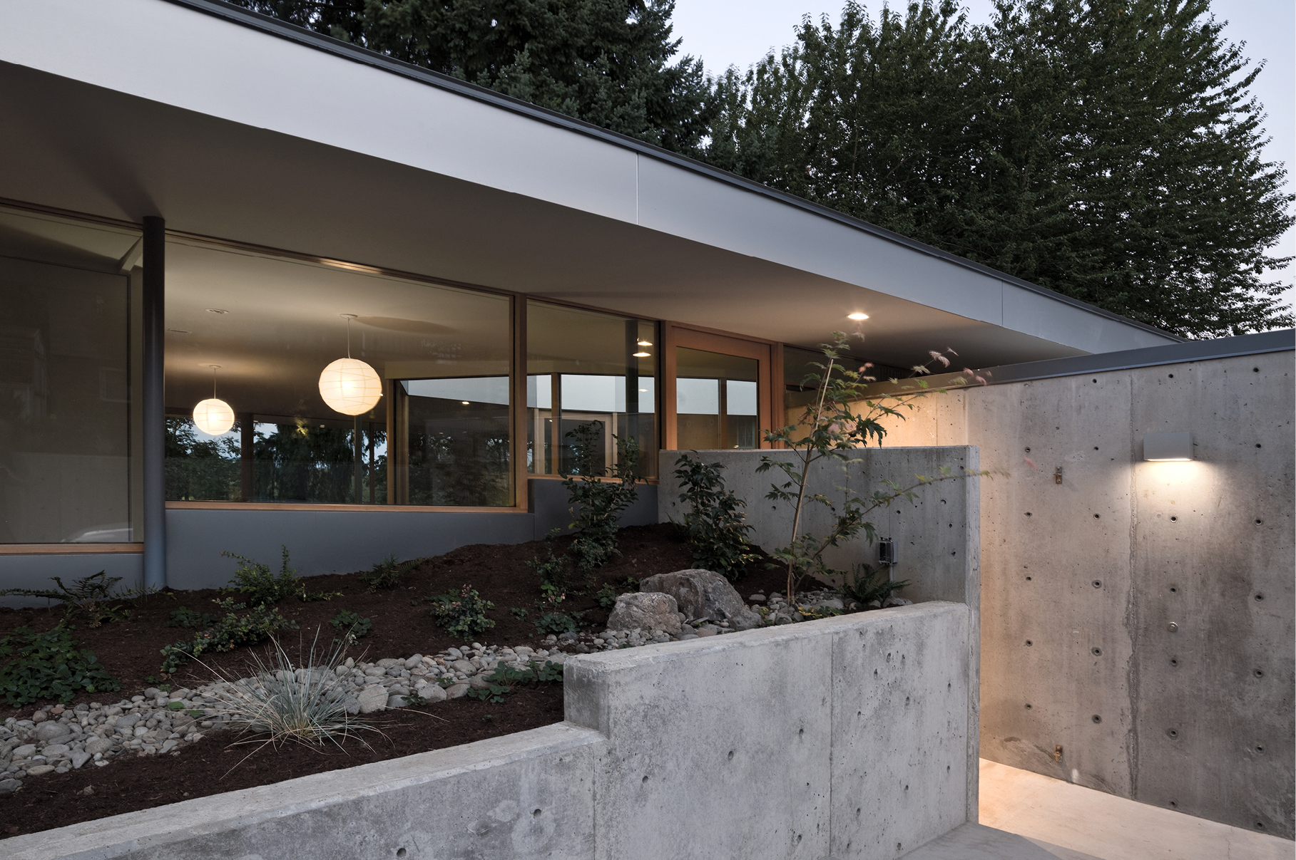 courtyard house by no architecture ignant com conventional house with a series of unused bedrooms during the day the courtyard house is experienced as a single loft with every room becoming living