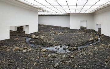 olafur-eliasson-riverbed-01