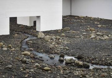 olafur-eliasson-riverbed-02