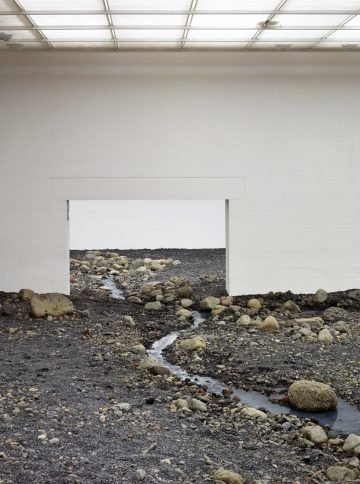olafur-eliasson-riverbed-05
