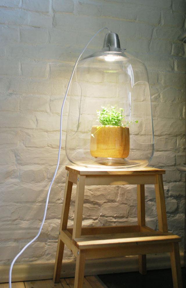 lampe til planter m bler til terrassen og haven. Black Bedroom Furniture Sets. Home Design Ideas