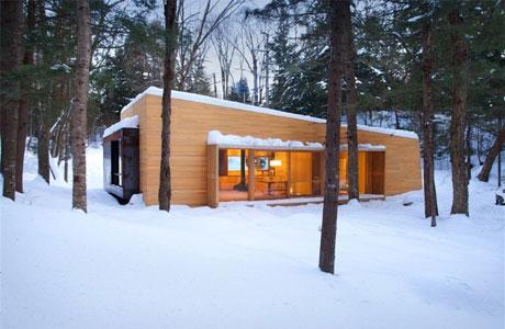 La-Luge-by-Yiacouvakis-Hamelin-Architectes_pre