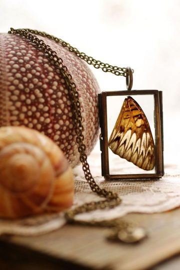Poetic-Jewels-Containing-Real-Flowers_02b