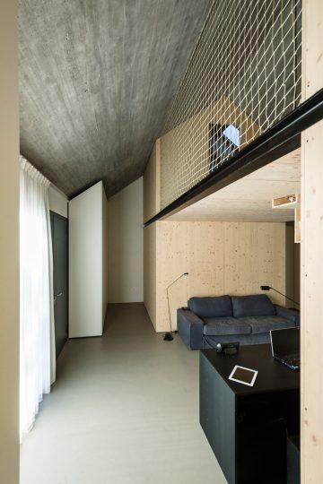 Compact_Karst_House_06
