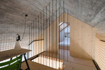 Compact_Karst_House_10