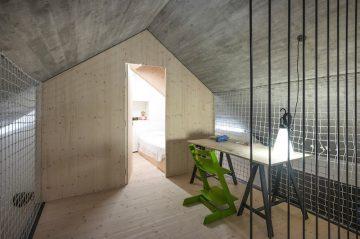 Compact_Karst_House_12