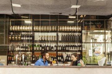 Gunnar Knechtel Photography, Spanien, Barcelona, Vermut Bar mitja vida logo Brusi 39, 08006 Barcelona. Fotografiert am 27.28.11.2014 fuer MB Magazin.
