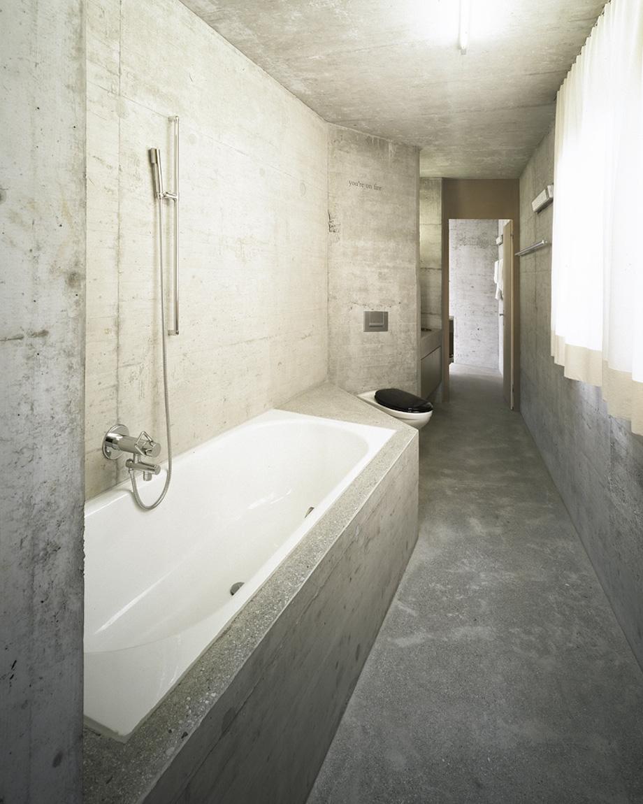 Flight Bathroom Door: House Eva Presenhuber In Vnà