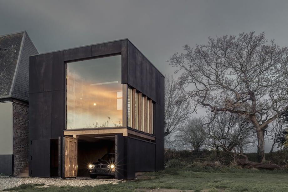 haus 05 von ziegler antonin beherbergt garage bibliothek und arbeitszimmer. Black Bedroom Furniture Sets. Home Design Ideas