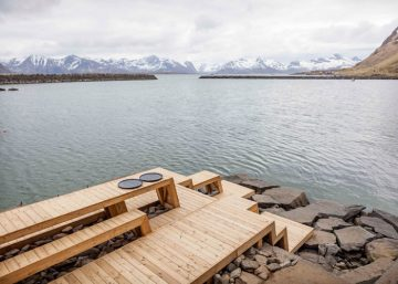The-Bands-sauna-and-terrace-photo-Jonas-Aarre-Sommarset_dezeen_784_5