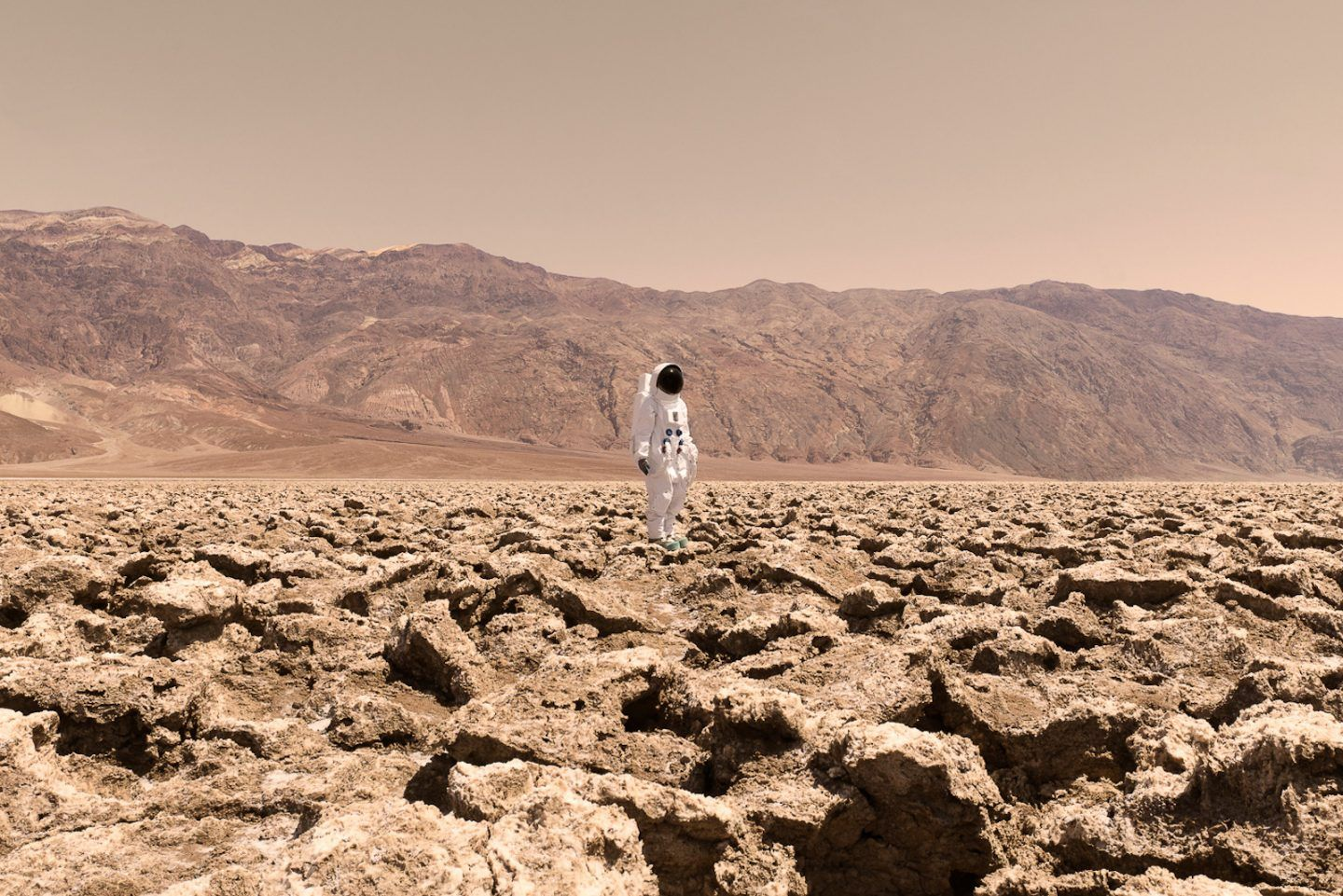 IGNANT-Photography-Julian-Mauvre-Greetings-From-Mars-002