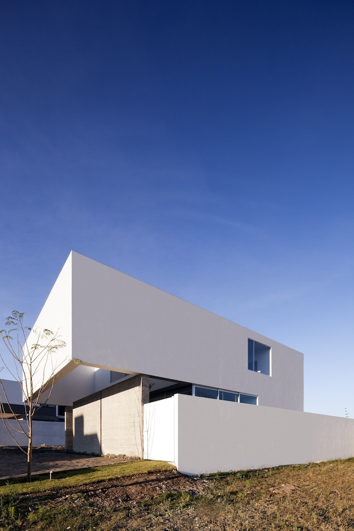 A House To See The Sky By Abraham Cota Paredes Arquitectos