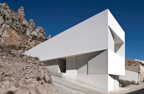 A Minimal House On The Mountainside By Fran Silvestre Arquitectos