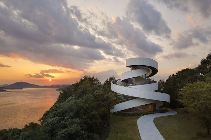 Ribbon Building_Architecture_0