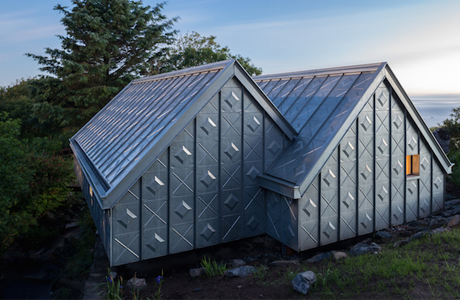 A Spiky Artist Studio At The Scottish Seaside By Studio Weave