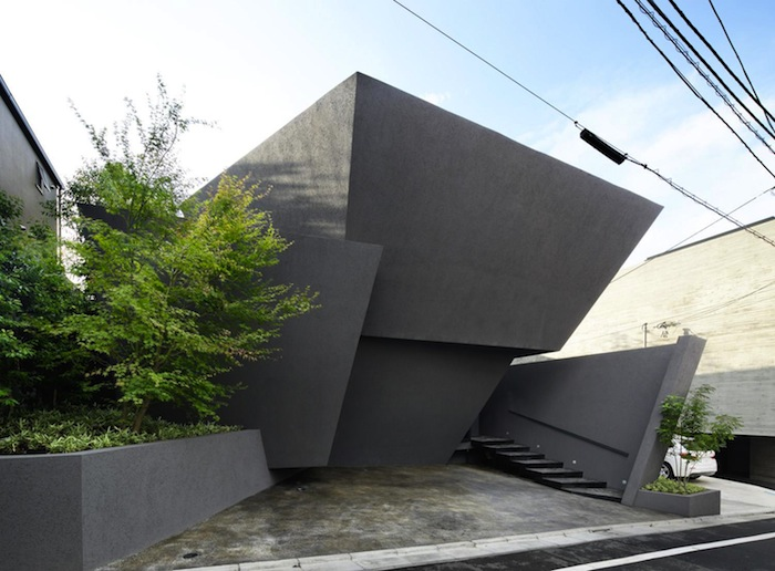 An angular concrete home by artechnic architects for Angular 1 architecture