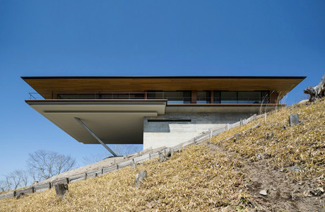 A Sleek Mountainside House By Kidosaki Architects