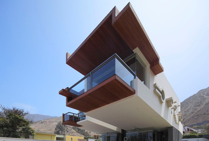 A Contemporary Geometric Home By Longhi Architects
