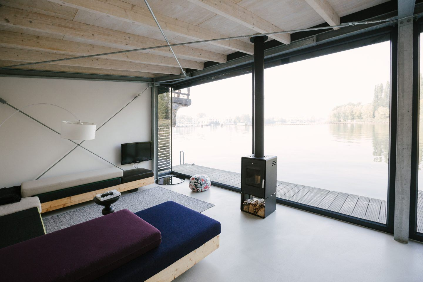 Modern Houseboat · Berlin, Germany - IGNANT