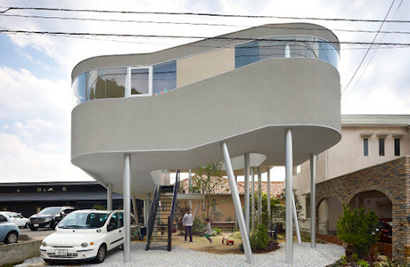 An Elevated House With A Garden Underneath By Kimihiko Okada