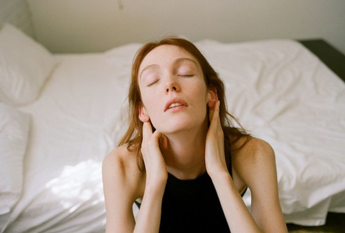 Sensual Portraits Of Women By Johanna Stickland