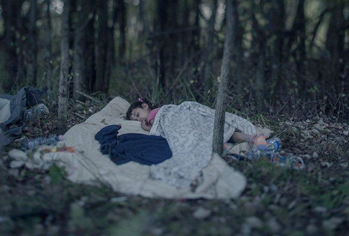 Magnus Wennman Captures Where Refugee Children Sleep