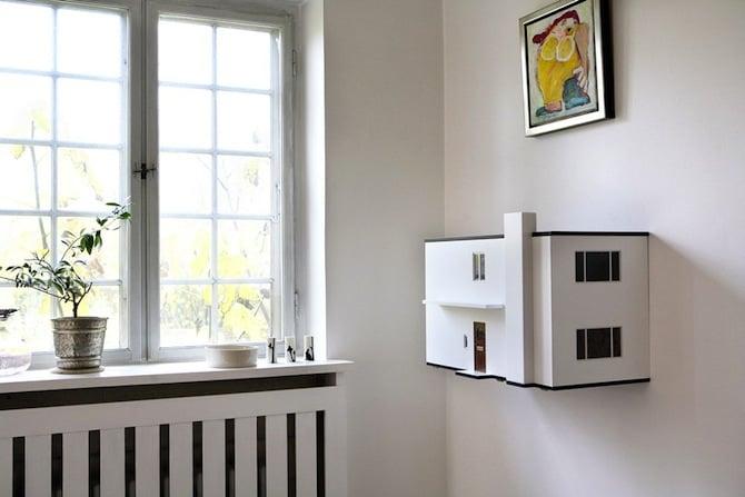 Ultra-Modern-Arne-Jacobsen-MiiBoxen-Dollhouse-4