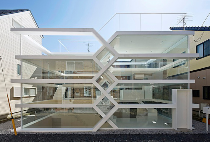 A Complex Interconnected Home By Yuusuke Karasawa