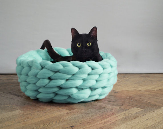 Knitted Pet Bed