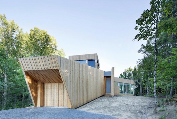 A Wooden Lakeside House By Paul Bernier