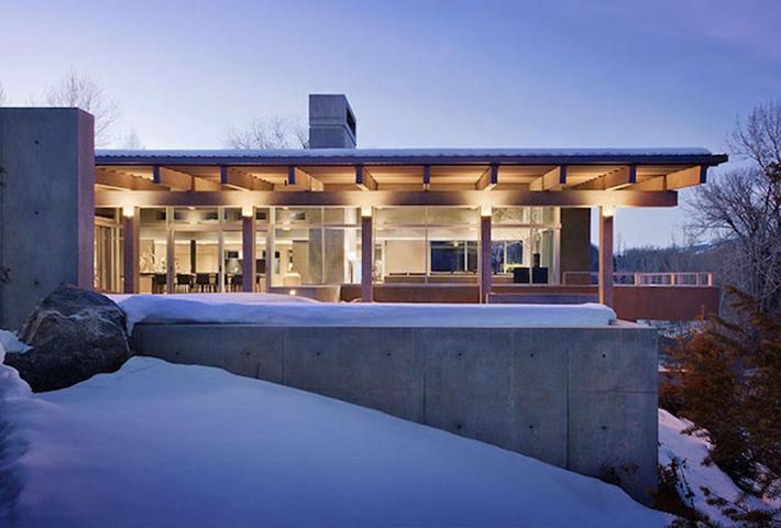 A Concrete River House By Suyama Peterson Deguchi